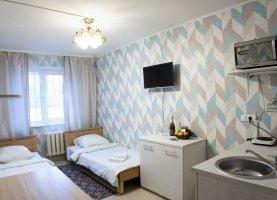 Снять - фото. Снять квартиру студию посуточно без посредников, Тюмень, Севастопольская улица, 17 - фото.